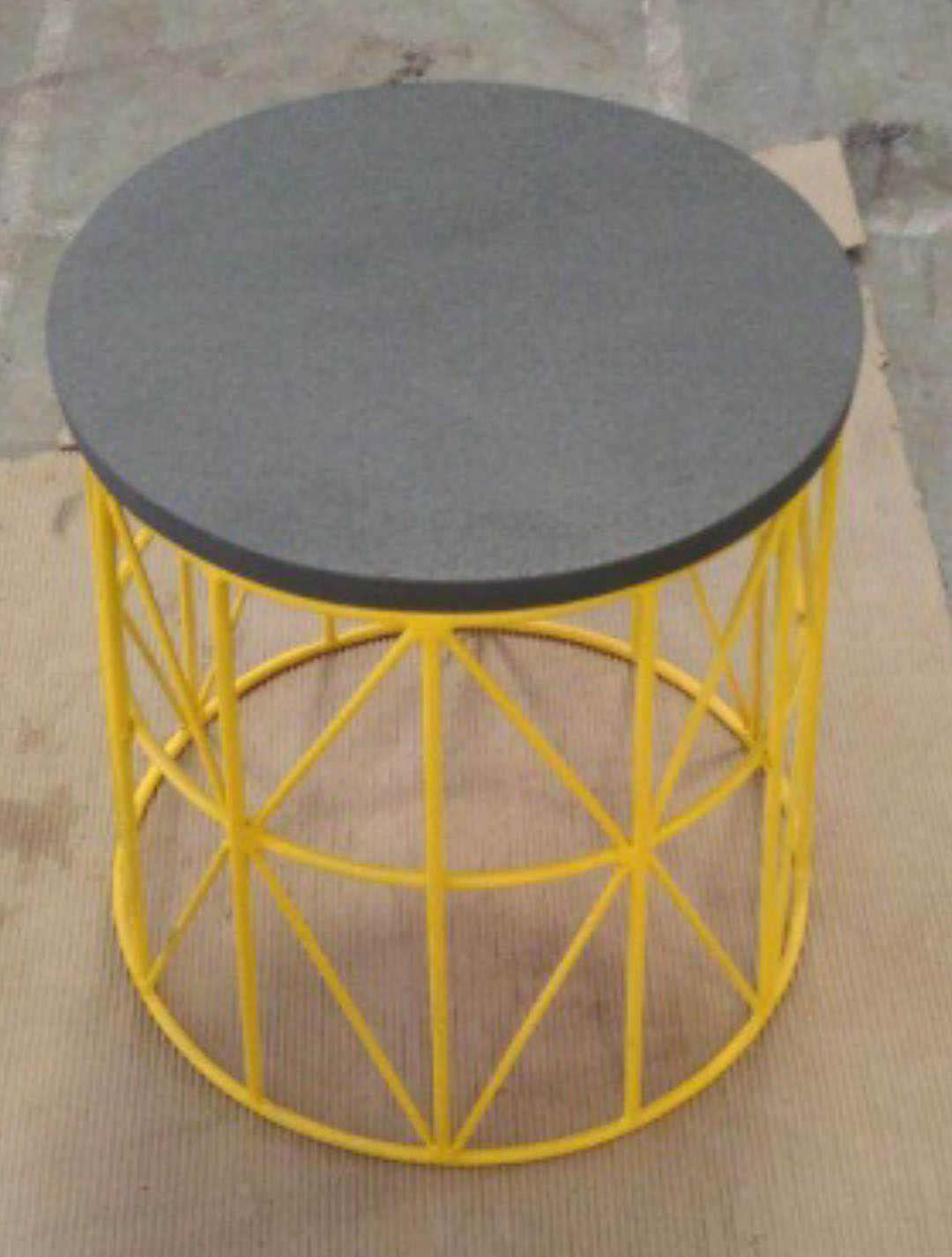 METAL PAINTED BASE WITH LIGHT WEIGHT CONCRETE TOP