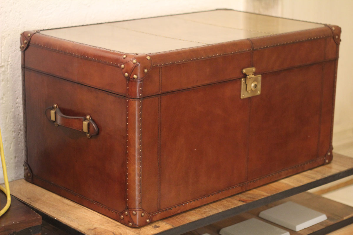 TRUNK WITH COPPER TOP
